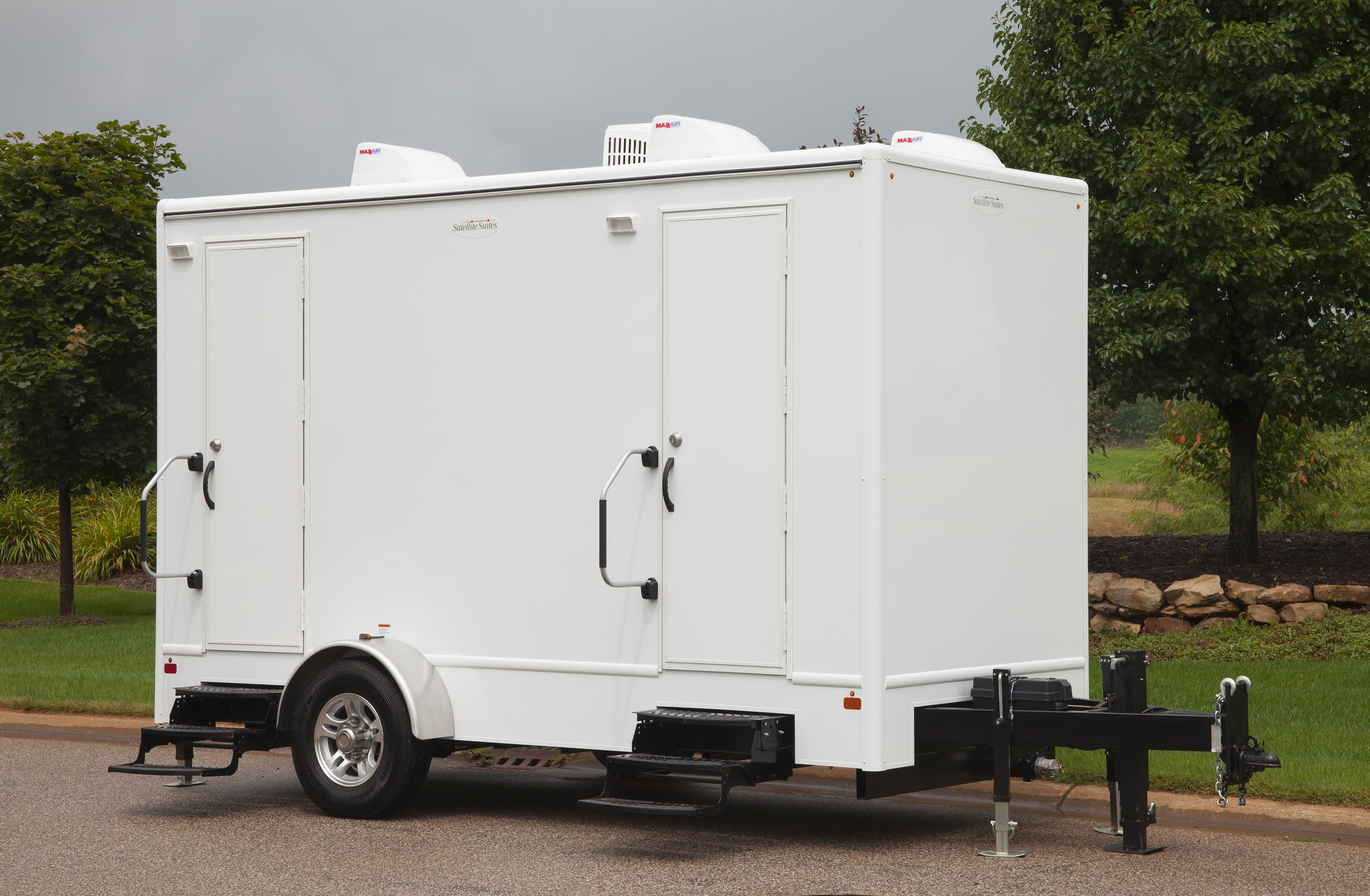14ft signature biffs inc portable restrooms luxury for Portable bathroom trailers